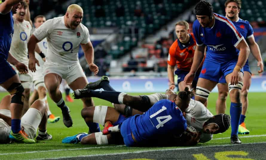 England's Maro Itoje scores the decisive try against France at Twickenham in a narrow Six Nations win for Eddie Jones's men.