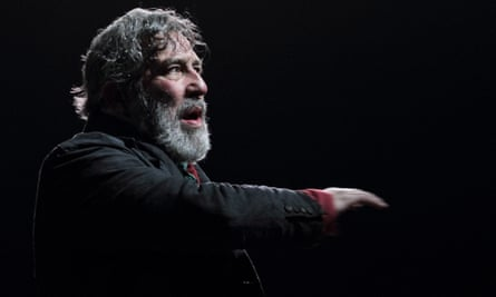 Ciarán Hinds in Translations