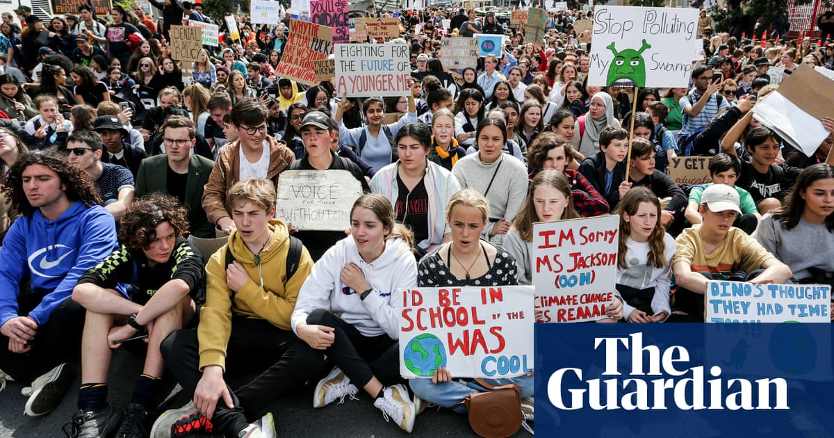 New Zealand schools to teach students about climate crisis, activism and 'eco anxiety'