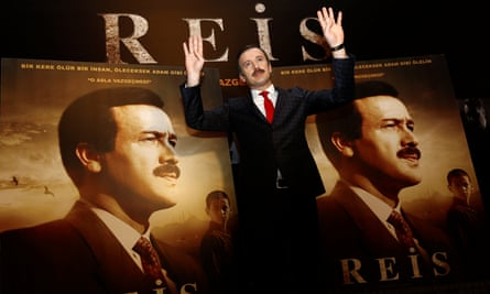 Reha Beyoğlu, who portrays Recep Tayyip Erdoğan in the film, poses for photographers at a screening in Istanbul