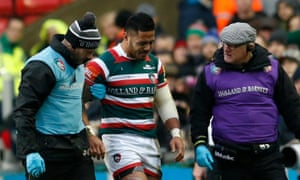 Manu Tuilagi leaves the field with an injury in Leicester's match with Saracens in January