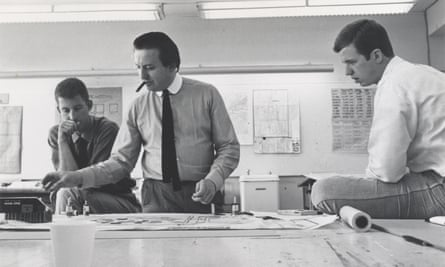 Cedric Price, centre, the subject of Samantha Hardingham's A Forward-Minded Retrospective, with students in Texas, 1967
