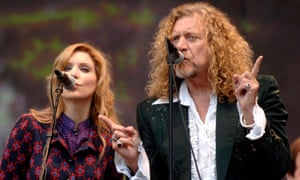 Fortune tellers Alison Krauss and Robert Plant.