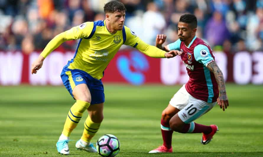 Everton's Ross Barkley and Manuel Lanzini of West Ham United in action.