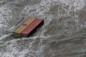 North Sea: Containers fell off a ship in rough weather near the German island of Borkum.