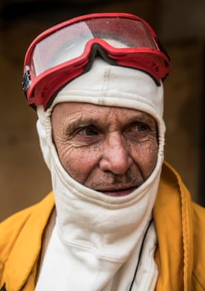 Klaus Elber, from Penrose in NSW, plans to stay with his property and defend should the fire reach his place. He feels he is well prepared