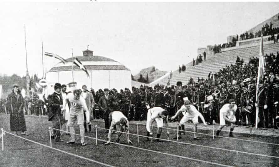 Ξεκινά αγώνας 100 μέτρων ανδρών, Ολυμπιακοί Αγώνες.  Αθήνα.
