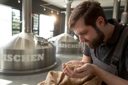 Germany's 1,500 breweries, he says, now brewproduce between 400 to 500 alcohol-free varieties of beer,