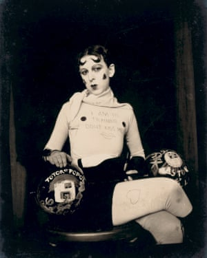 Gillian Wearing and Claude Cahun: Behind the mask, another mask.
