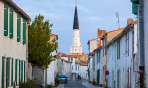 The town centre of Ars-en-Re on the Isle of Rhe (ile de Re) (17, Charente-Maritime department, France).DT1DX2 The town centre of Ars-en-Re on the Isle of Rhe (ile de Re) (17, Charente-Maritime department, France).