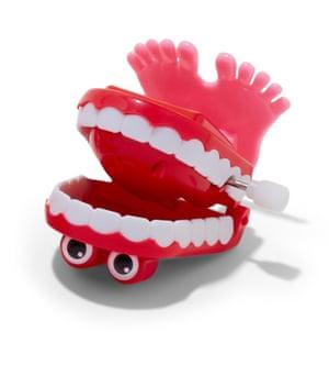 jokey false teeth