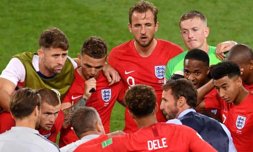England team talk