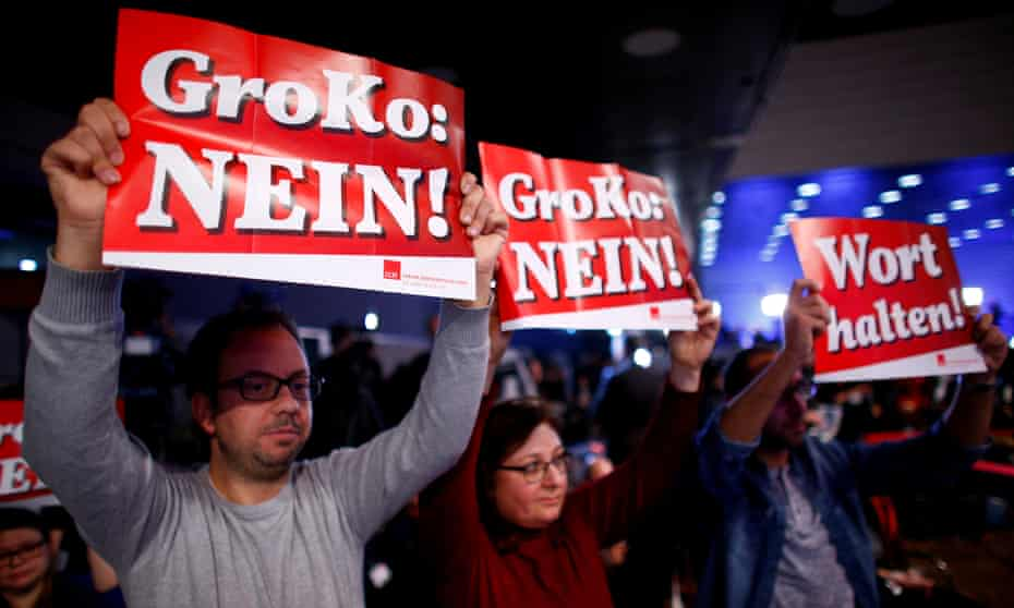 Opponents of another SPD-CDU coalition protest at the SPD's party congress in Bonn earlier this month.