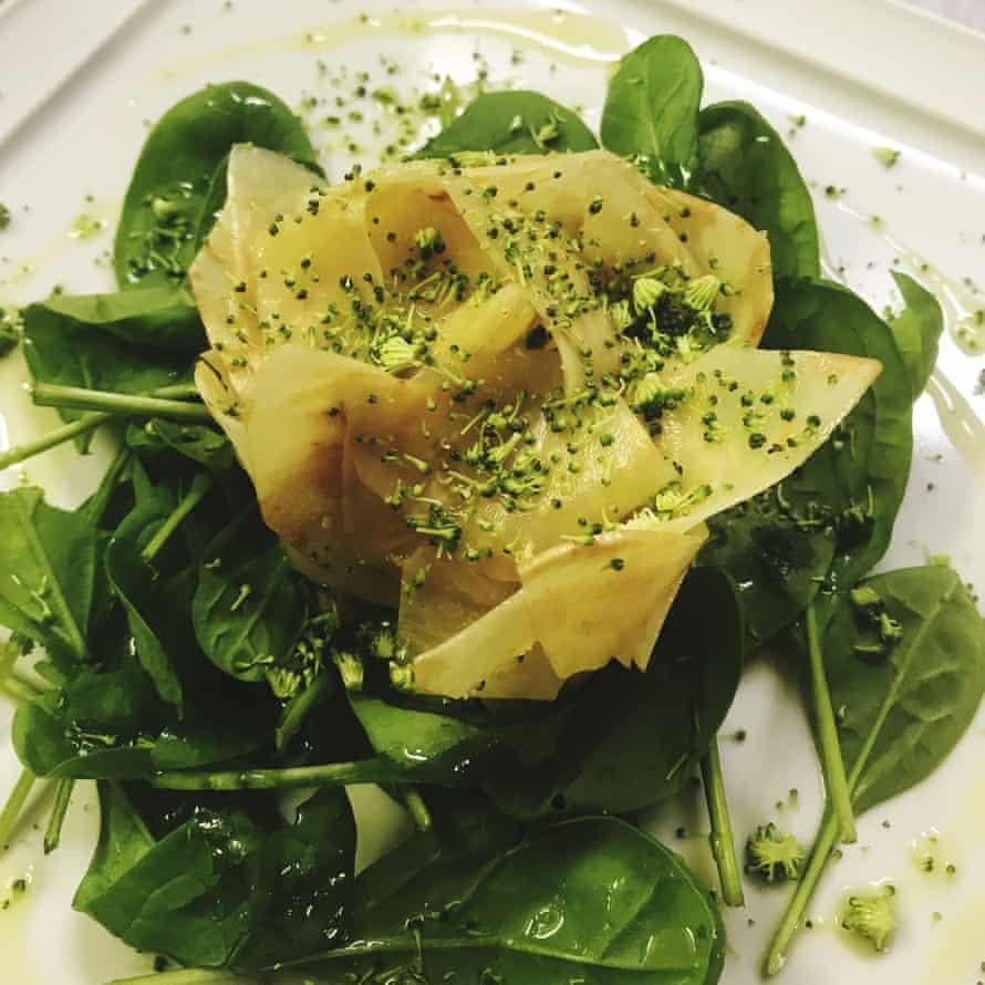 Pasta dish on a bed of spinach at Ristorante La Lanterna, Verona, Italy