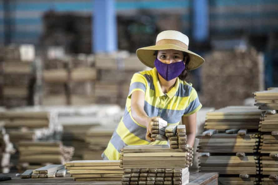 Acacia is processed into parts for garden furniture.