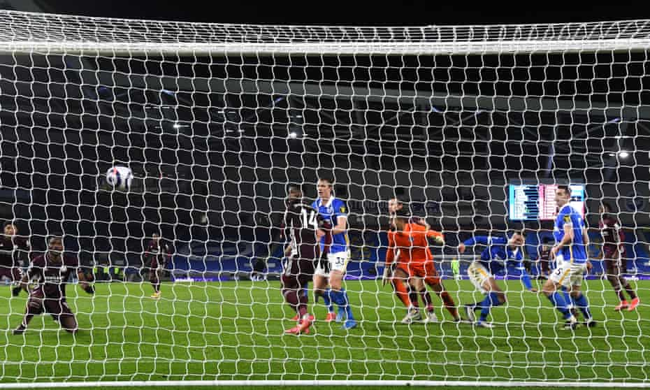 Daniel Amartey scores the winner for Leicester at Brighton