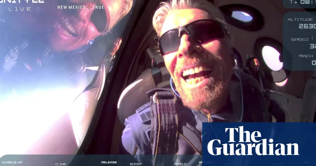 Richard Branson flies to edge of space in Virgin Galactic passenger rocket plane