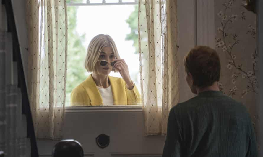 'Pure predatory wickedness' ... Rosamund Pike and Dianne Wiest in I Care A Lot.