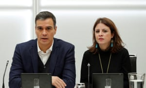 Pedro Sánchez, the acting prime minister, called for opponents to 'unblock the political situation'.