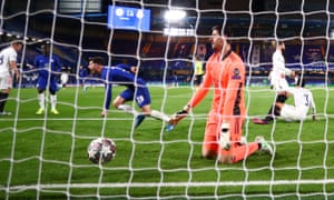 Mason Mount scores the second goal of the night for Chelsea.