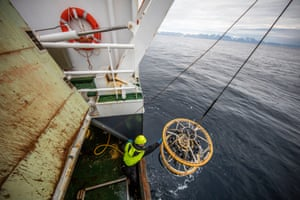 CTD measures salinity, temperature and acidity and life at regular intervals, looking for changes. Barents sea water has a different salinity to atlantic water.