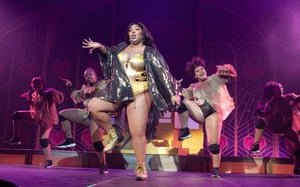 Lizzo and her dancers at Brixton Academy, London, 6/11/19