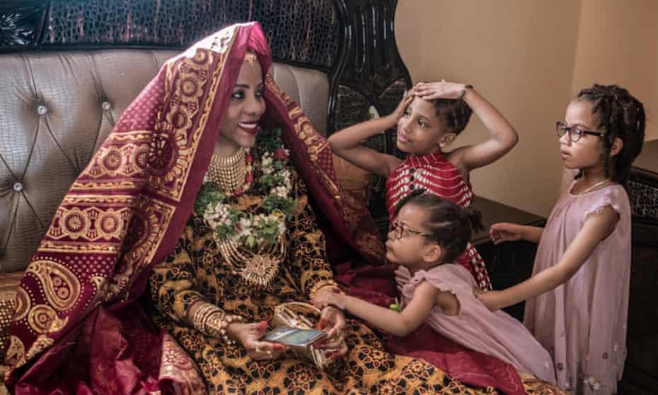 Badaant el Mounyrou, wearing full wedding attire.