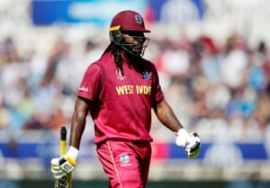 Chris Gayle walks for 21.