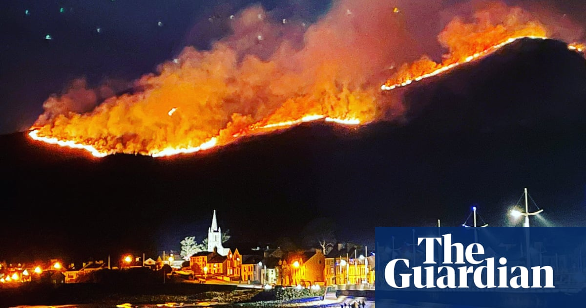Huge gorse blaze continues to burn in Mourne Mountains