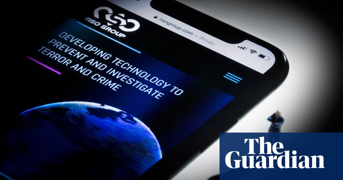 France and Israel hold 'secret' talks to defuse phone spyware row