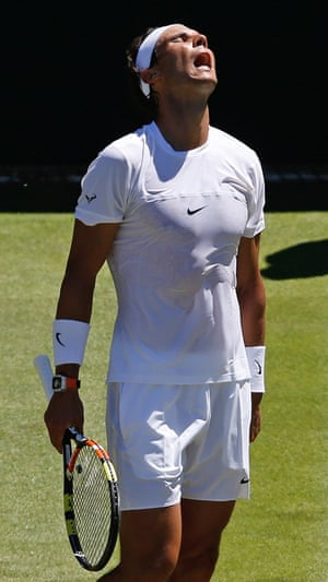 Nadal wis the first set.