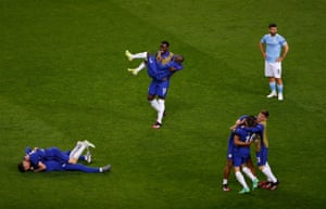 The final whistle goes and Chelsea's players are overjoyed.