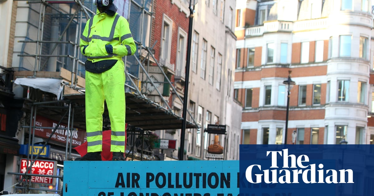 Extinction Rebellion stages air pollution protests in London and Manchester