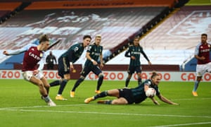 Grealish misses a chance after a long solo run