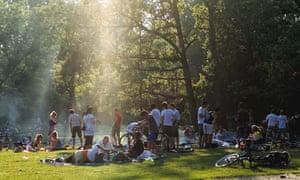 Vondelpark, Amsterdam Park, ville, nature, gens, vert, herbe, amis,