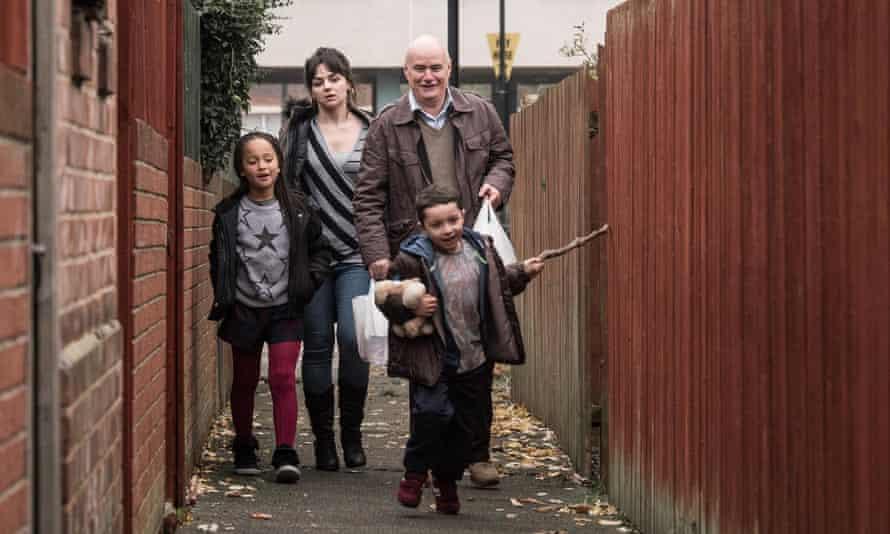 Katie, her children and Daniel from the film I, Daniel Blake.