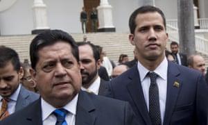 Edgar Zambrano, left, with Juan Guaidó.