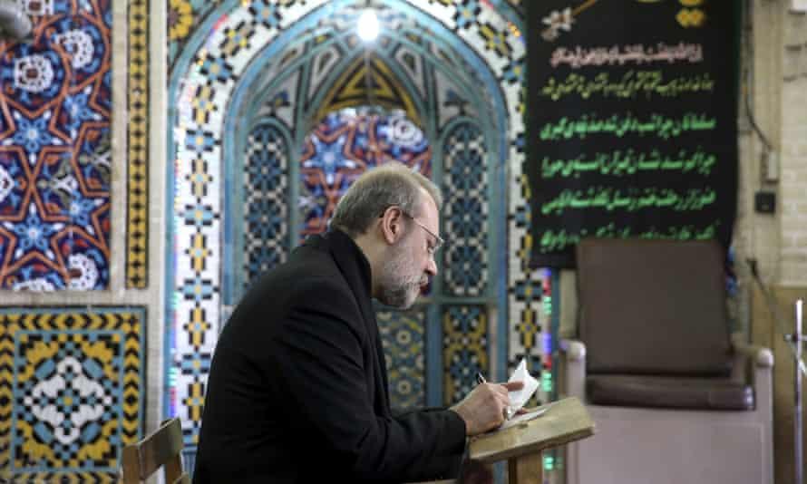 Ali Larijani casting his vote