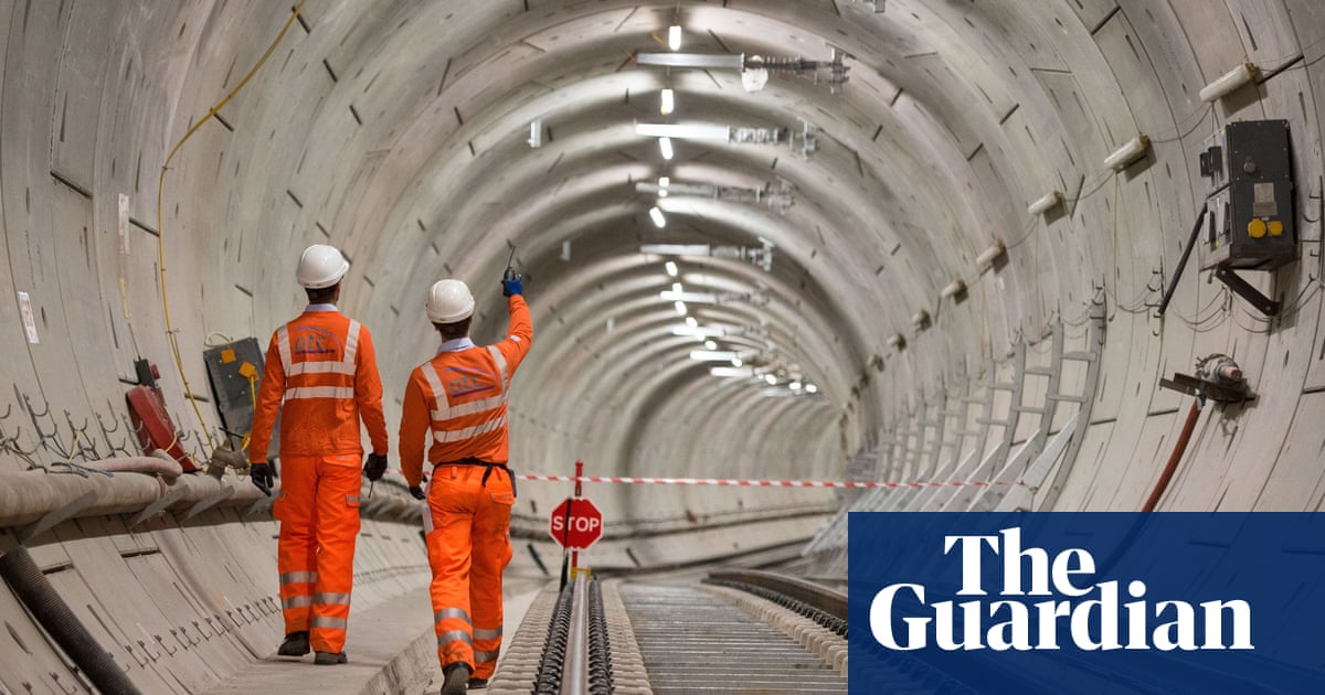 Manchester mayor proposes 'Crossrail-type' railway for city