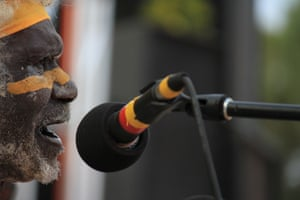A senior Yolngu man sings at the Garma festival