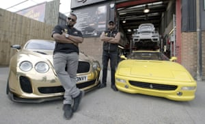 Kash and Shabs in Supercars, Superfam
