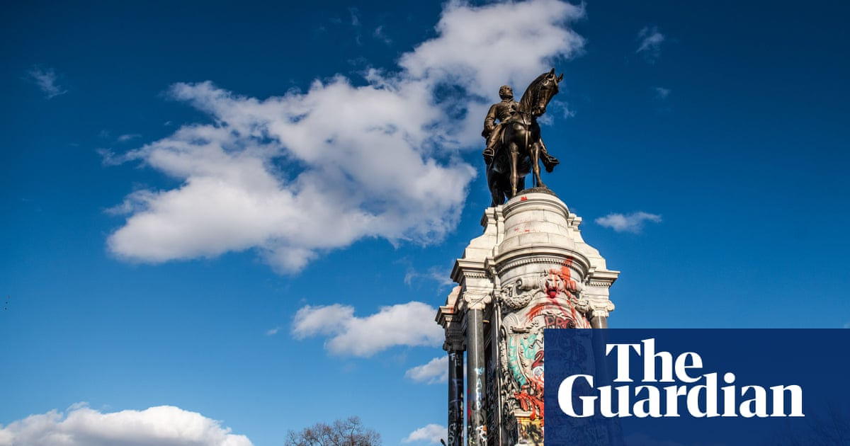 Virginia to remove Robert E Lee statue from state capital Richmond