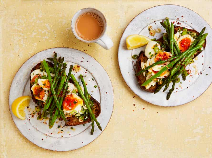 Yotam Ottolenghi's 15 minute buttered eggs and asparagus on toast.