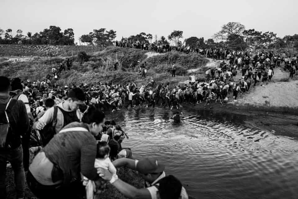 Caravan crossing the Suchiate River, 23 January 2020