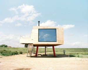 Redshank, Lee-over-SandsThat architectural innovation has persisted, with more recent creations including Charles Holland and Grayson Perry's House for Essex and Lisa Shell's beachfront retreat, Redshank