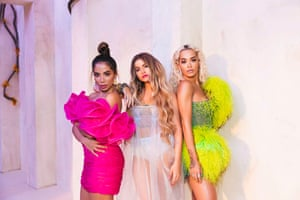 Sofia Reyes, with Anitta (left) and Rita Ora (right).