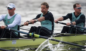 Cracknell, centre, trains with his Cambridge crew on the Thames.