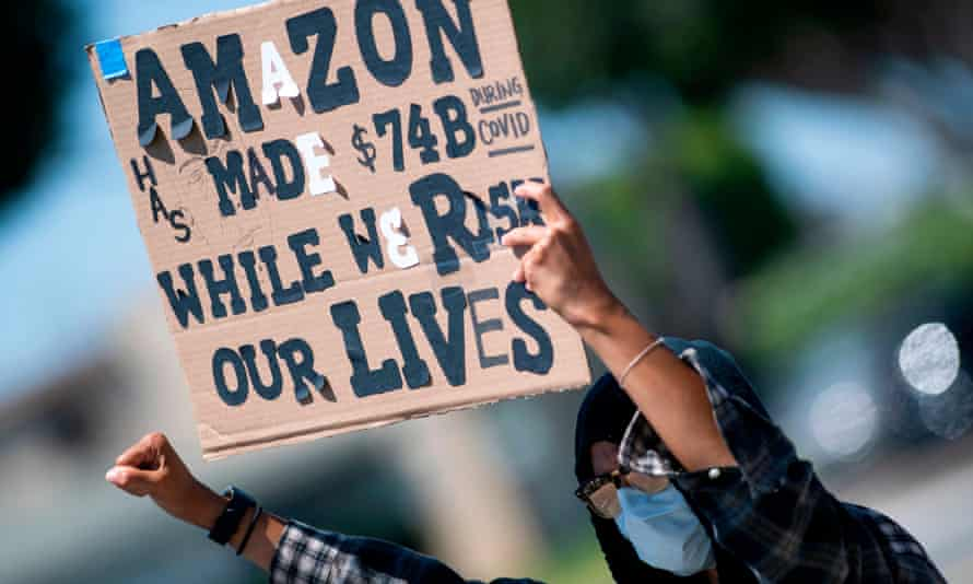 Workers protest outside the Amazon delivery hub in Hawthorne, California.