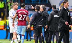 Marcelo Bielsa instructs Pontus Jansson to allow Aston Villa to equalise in the game at Elland Road. Jansson ignored his manager, but Villa still scored.