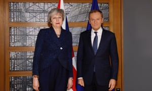Theresa May and Donald Tusk posing for their official photograph